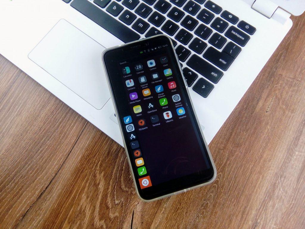 UBports Ubuntu Touch on Pine64 Pinephone.